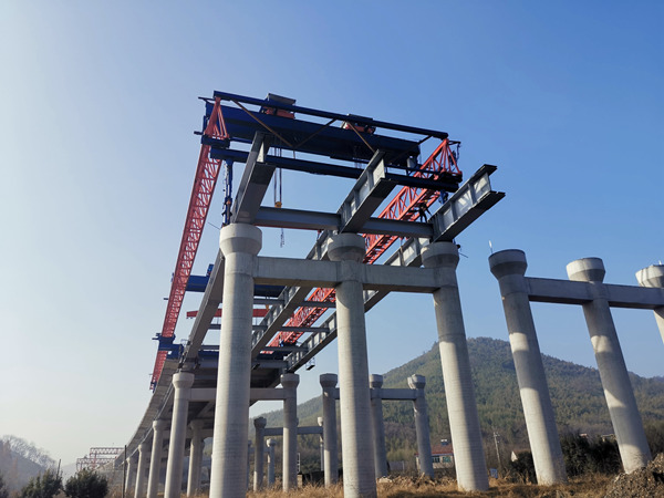 杭州绕城快速路项目40~180吨架桥机