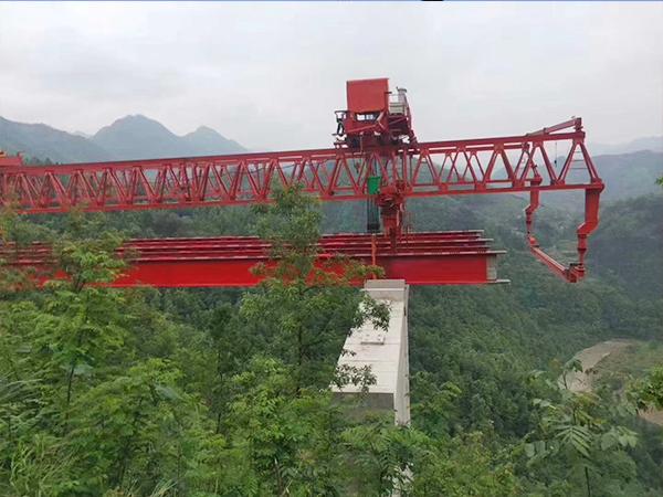 湖北孝感160吨架桥机厂家解决问题有效